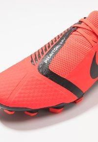 Nike Performance - PHANTOM  ACADEMY FG - Voetbalschoenen met kunststof noppen - bright crimson/black/metallic silver - 5