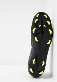 Nike Performance - PHANTOM  ACADEMY FG - Voetbalschoenen met kunststof noppen - black/volt - 4