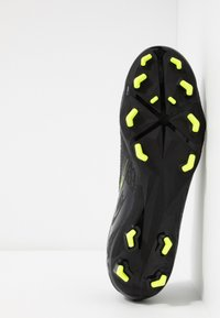 Nike Performance - PHANTOM  ACADEMY FG - Chaussures de foot à crampons - black/volt - 4