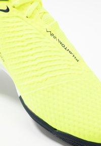 Nike Performance - PHANTOM ACADEMY IC - Botas de fútbol sin tacos - volt/obsidian/barely volt - 5