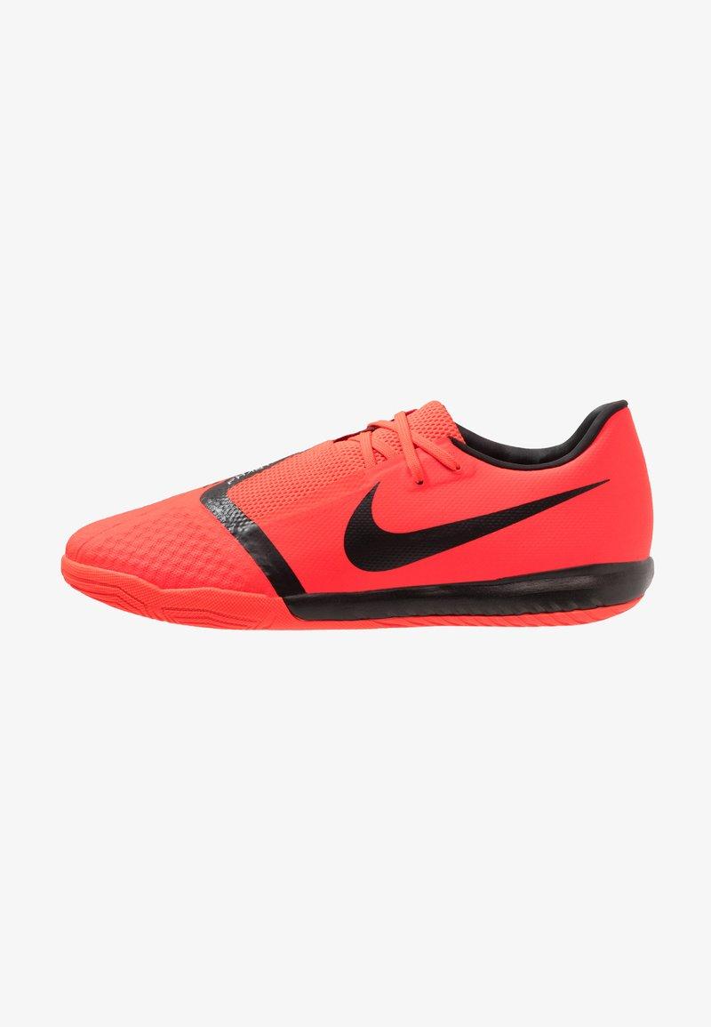 Nike Performance - PHANTOM ACADEMY IC - Scarpe da calcetto - bright crimson/black/metallic silver