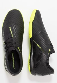Nike Performance - PHANTOM ACADEMY IC - Futsal-kengät - black/volt - 1