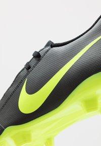 Nike Performance - PHANTOM CLUB FG - Chaussures de foot à crampons - black/volt - 5