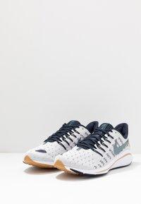 Nike Performance - AIR ZOOM VOMERO 14 - Obuwie do biegania treningowe - photon dust/ozone blue/obsidian/white - 2