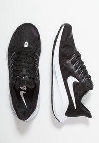 Nike Performance - AIR ZOOM VOMERO  - Hardloopschoenen neutraal - black/white/thunder grey - 1