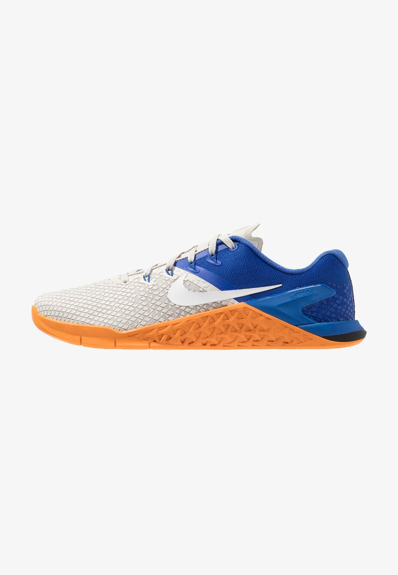 Nike Performance - METCON 4 XD - Sportovní boty - light bone/white/game royal/orange peel
