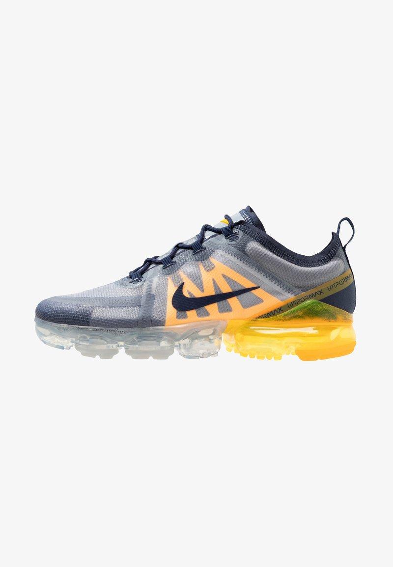 Nike Performance - AIR VAPORMAX - Zapatillas de running neutras - midnight navy/laser orange