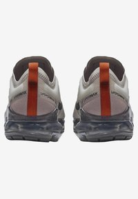 Nike Performance - AIR VAPORMAX - Obuwie do biegania treningowe - anthracite - 3
