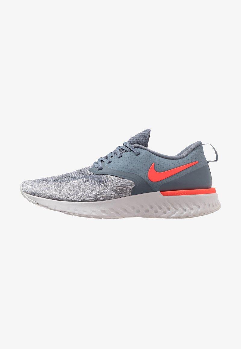 Nike Performance - ODYSSEY REACT FLYKNIT - Laufschuh Neutral - armory blue/bright crimson/vast grey