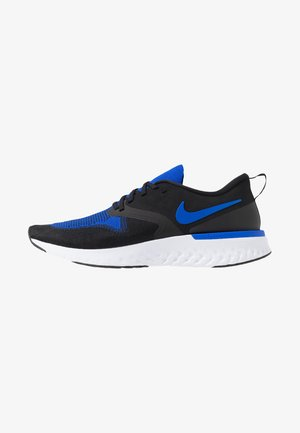 ODYSSEY REACT FLYKNIT - Hardloopschoenen neutraal - black/racer blue/white