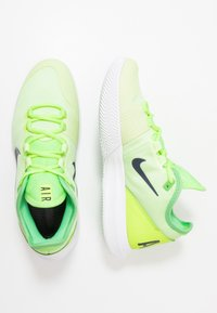 Nike Performance - COURT AIR MAX WILDCARD CLAY - Clay court tennis shoes - ghost green/blackened blue/barely volt - 1
