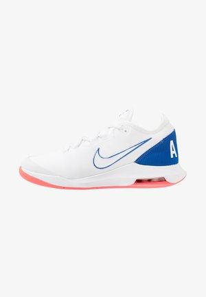 AIR MAX WILDCARD  - Tenisové boty na všechny povrchy - white/game royal/flash crimson