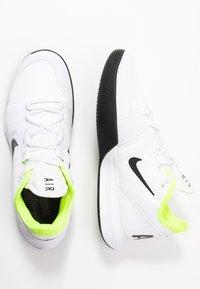 Nike Performance - AIR MAX WILDCARD  - Allcourt tennissko - white/black/volt - 1