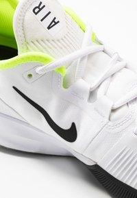 Nike Performance - AIR MAX WILDCARD  - Allcourt tennissko - white/black/volt - 5