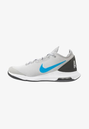 COURT AIR MAX WILDCARD - Multicourt tennis shoes - light smoke grey/blue hero/off noir/white