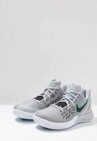 Nike Performance - KYRIE FLYTRAP II - Basketbalové boty - wolf grey/black/dark grey/white/tropical twist - 2