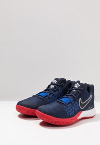 Nike Performance - KYRIE FLYTRAP II - Basketbalové boty - obsidian/black/university red/game royal/white - 2