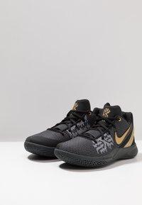 Nike Performance - KYRIE FLYTRAP II - Obuwie do koszykówki - black/metallic gold/anthracite - 2