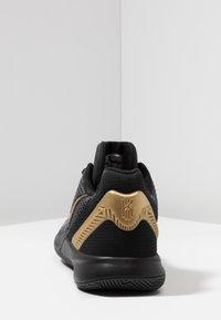 Nike Performance - KYRIE FLYTRAP II - Obuwie do koszykówki - black/metallic gold/anthracite - 3