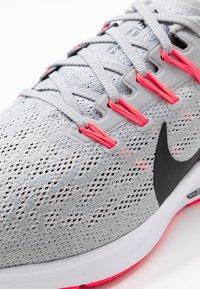Nike Performance - AIR ZOOM PEGASUS  - Stabiliteit hardloopschoenen - wolf grey/black/white/bright crimson - 5