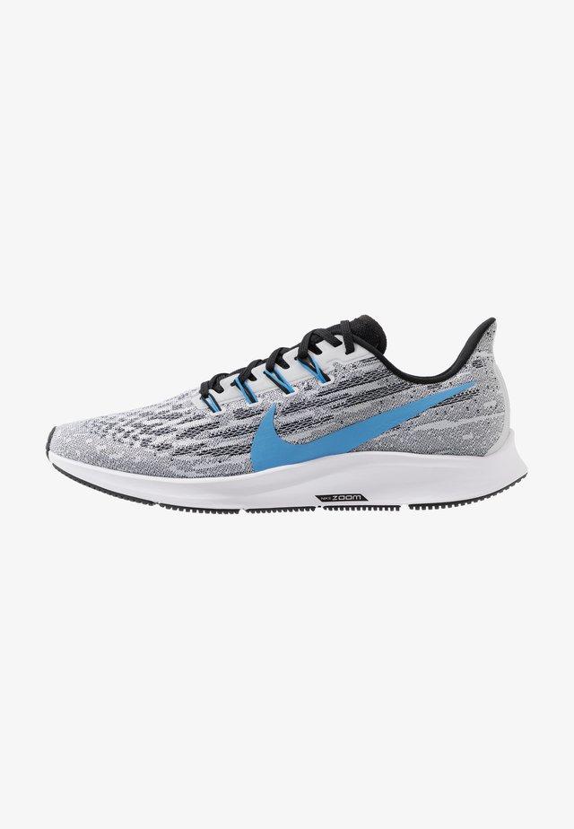AIR ZOOM PEGASUS  - Stabiliteit hardloopschoenen - white/university blue/black/pure platinum/laser orange