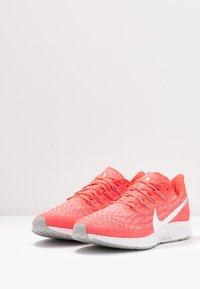Nike Performance - AIR ZOOM PEGASUS  - Zapatillas de running estables - laser crimson/white/light smoke grey - 2