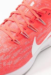 Nike Performance - AIR ZOOM PEGASUS  - Zapatillas de running estables - laser crimson/white/light smoke grey - 5