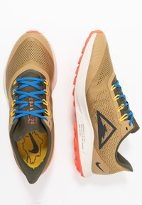 Nike Performance - AIR ZOOM PEGASUS 36  - Chaussures de running - beechtree/off noi/cargo khaki - 1