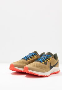 Nike Performance - AIR ZOOM PEGASUS 36  - Chaussures de running - beechtree/off noi/cargo khaki - 2