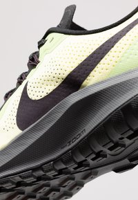Nike Performance - AIR ZOOM PEGASUS 36  - Zapatillas de trail running - luminous green/burgundy ash/black - 5