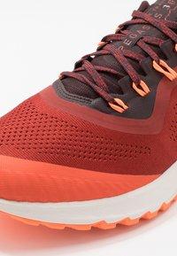 Nike Performance - AIR ZOOM PEGASUS 36  - Vaelluskengät - dune red/burgundy ash/mahogany - 5