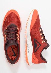 Nike Performance - AIR ZOOM PEGASUS 36  - Vaelluskengät - dune red/burgundy ash/mahogany - 1
