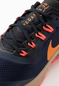 Nike Performance - AIR ZOOM PEGASUS 36  - Vaelluskengät - obsidian/magma orange/black/laser crimson/khaki - 5