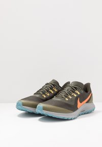Nike Performance - AIR ZOOM PEGASUS 36  - Vaelluskengät - sequoia/orange trance/medium olive - 2