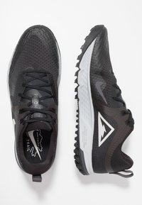 Nike Performance - AIR ZOOM WILDHORSE 5 - Chaussures de running - black/barely grey/thunder grey/wolf grey - 1