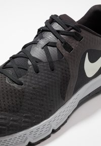 Nike Performance - AIR ZOOM WILDHORSE 5 - Chaussures de running - black/barely grey/thunder grey/wolf grey - 5