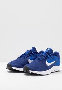 Nike Performance - DOWNSHIFTER 9 - Obuwie do biegania treningowe - deep royal blue/white/game royal/black - 2
