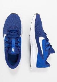 Nike Performance - DOWNSHIFTER 9 - Obuwie do biegania treningowe - deep royal blue/white/game royal/black - 1