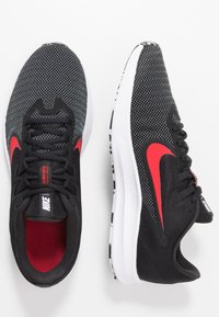 Nike Performance - DOWNSHIFTER 9 - Zapatillas de running neutras - black/university red/white - 1