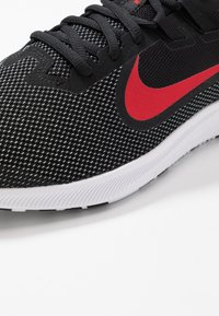 Nike Performance - DOWNSHIFTER 9 - Zapatillas de running neutras - black/university red/white - 5