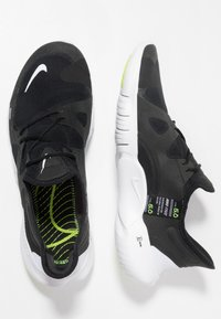 Nike Performance - FREE RN 5.0 - Minimalist running shoes - black/white/anthracite/volt - 1