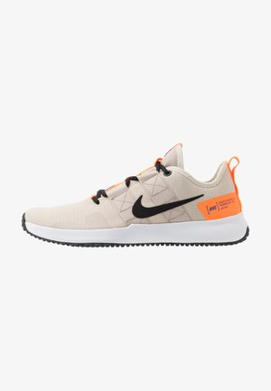 VARSITY COMPETE TRAINER 2 - Sports shoes - pale ivory/black/string/soar/total orange/white