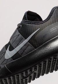 Nike Performance - VARSITY COMPETE TRAINER 2 - Gym- & träningskor - black/cool grey/anthracite - 5