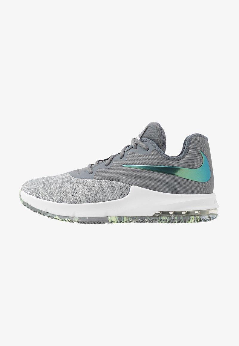 Nike Performance - AIR MAX INFURIATE III LOW - Koripallokengät - cool grey/dark grey/platinum tint/lab green
