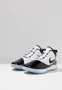 Nike Performance - LEBRON WITNESS III PRM - Chaussures de basket - white/black/oxygen purple - 2