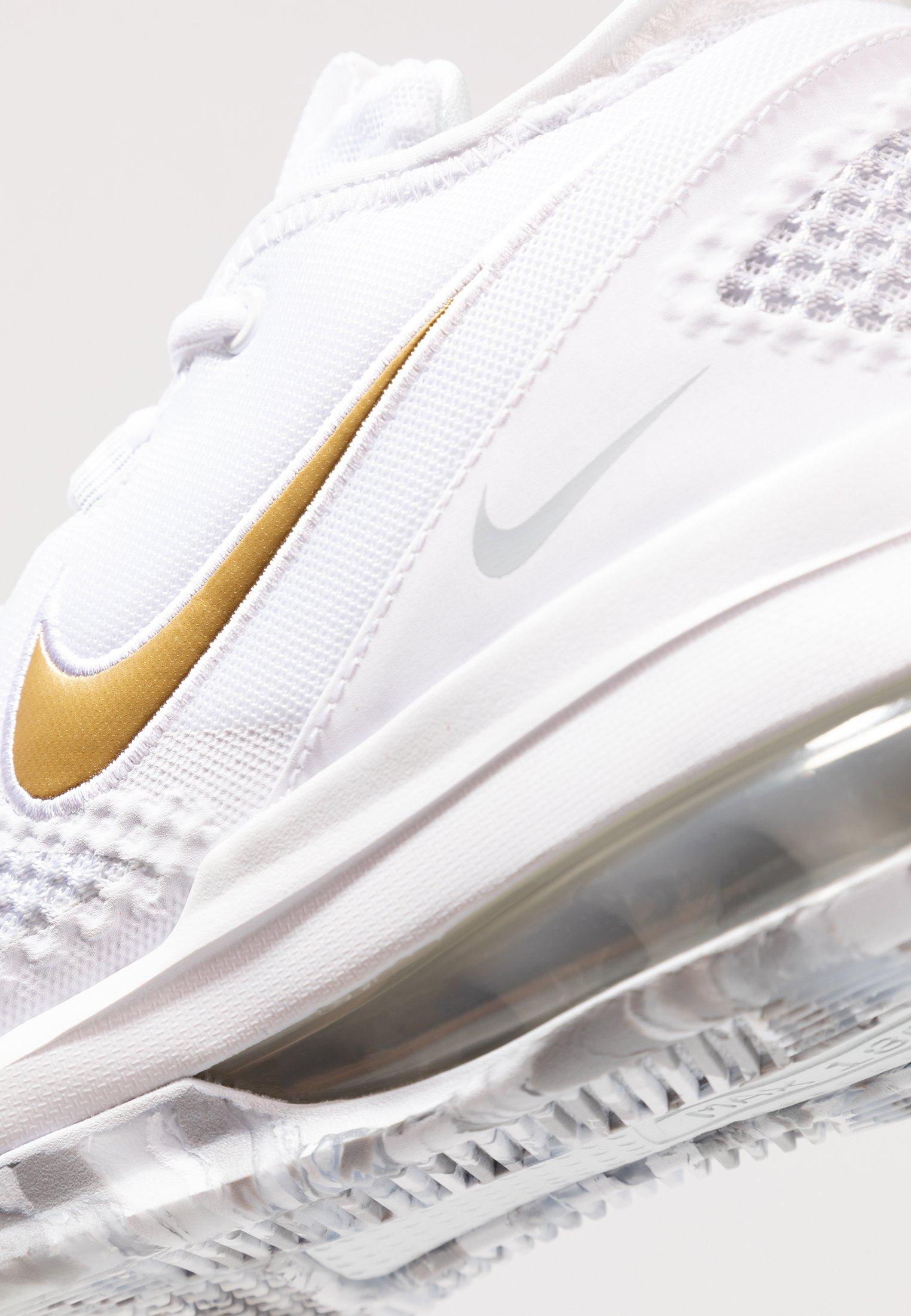 AIR FORCE MAX LOW Chaussures de basket whiteblackvolt