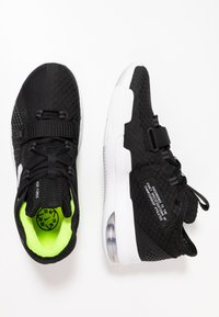 Nike Performance - AIR FORCE MAX LOW - Basketbalschoenen - black/white/volt - 1
