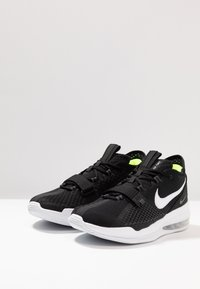Nike Performance - AIR FORCE MAX LOW - Basketbalschoenen - black/white/volt - 2