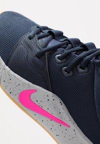 Nike Performance - PG 3 - Zapatillas de baloncesto - obsidian/pink blast/wolf grey - 5