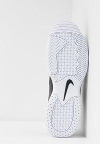 Nike Performance - LITE 2 - Allcourt tennissko - black/white - 4